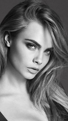 Cara Delevingne Black And White Portrait & Cara Delevingne Black And White Face Photography, Photography Poses Women, Photography Portraits, Girl Face, Woman Face, Cara Delevingne Photoshoot, Female Face Drawing, Photographie Portrait Inspiration, Black And White Face