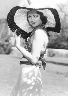 Kay Francis on the set of Man Wanted (1932) #summer #vintage #fashion