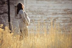 www.frostedproductions.com #utah #photographer #maternity #photography #baby #bump #pregnancy #outfit #ideas #golden #grass #sunny
