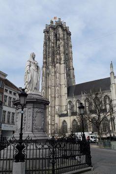 Beklim de Sint Romboutstoren in Mechelen voor een perfect uitzicht over de stad. Je kunt zelfs Antwerpen en Brussel zien liggen!