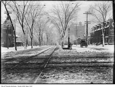 Toronto Winter Photographs Spadina Avenue, looking south from Queen Street. The railings at centre denote the entrance to the underground public lavatory. Vintage Photographs, Vintage Photos, Toronto Winter, Visit Toronto, Toronto Photos, Historical Images, Ontario, Past, Railings