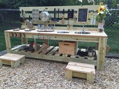 Super diy outdoor fun for kids mud kitchen ideas Outdoor Play Kitchen, Diy Mud Kitchen, Mud Kitchen For Kids, Kids Outdoor Play, Outdoor Play Spaces, Kids Play Area, Outdoor Kitchen Design, Play Areas, Outdoor Cooking Area
