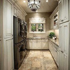 Dream laundry room by the very talented @VinceTheBuilder Vincent designs and builds homes all arou...