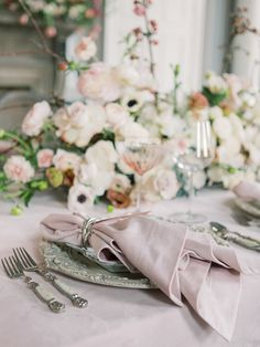 La Tavola Fine Linen Rental: Velvet Pink with Velvet Pink Napkins | Photography: Carlos Hernandez, Event Design: Vanity Affair Events, Florals: Kaleb Norman James Design, Paper Goods: La Happy, Venue: Sentinel Hotel, Rentals: Party Place and St James Specialty Rentals