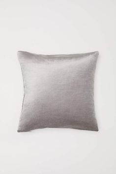 Velvet Cushion/Pillow Cover Gorgeous colors with a beautiful shimmer!! Great price! #homedecor #interiordesign #homedecorideas #pillows #pillowcover #ad #interiorstyling #homedesign #interiordesignideas #timelessdecor