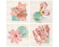 He encontrado este interesante anuncio de Etsy en https://www.etsy.com/es/listing/79044091/pink-photo-set-art-for-girls-room-floral
