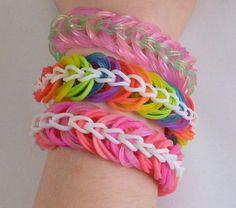 I Love Friendship Bracelets Cute Bracelets, Link Bracelets, Friendship Bracelets, Rubber Band Bracelet, Come Undone, Loom Bands, Rainbow Loom, Rubber Bands, Bracelet Making