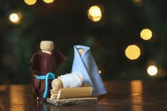 Here are 25 of the best Christmas nativity crafts we found for you on Pinterest and the internet. And every craft keeps Jesus at the center!