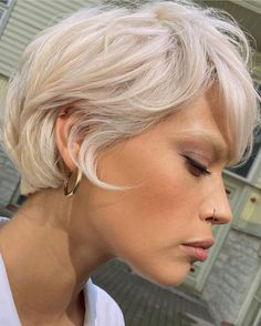 Short Blonde Haircuts, Pixie Haircut For Thick Hair, Short Hair Cuts, Hair Inspo, Hair Inspiration, Medium Hair Styles, Curly Hair Styles, Editorial Hair, Hair Brained