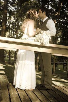 Wedding photos. Casual bride and groom.