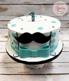 Moustache and bow tie birthday cake, 1st birthday