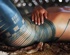 'We had no paper, but we had our bodies': the sacred and symbolic in Polynesian tattoos | Samoa | The Guardian Samoan Tattoo, I Tattoo, Polynesian Tattoos, Tribal Tattoos, Hand Tattoos, Samoan Women, Facial Tattoos, Traditional Ink, Maori