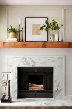 Fixer Upper: Bel Canto Bellissimo in Beautiful Waco Farm House Living Room, Fireplace Surrounds, Fireplace Mantle Decor, Fireplace Design, Mantle Decor, Home Decor, Farmhouse Fireplace Mantels, Home Decor Tips, Christmas Mantle Decor