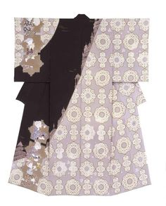 Yuzen kimono by Toku YUSUI, Japan. The Japan's three biggest yuzen. It is simple and features a calm hue. The work which there is an urbane sense Traditional Japanese Kimono, Traditional Fashion, Traditional Dresses, Japanese Outfits, Japanese Fashion, Textiles, Textile Patterns, Kimono Fashion, Ethnic Fashion