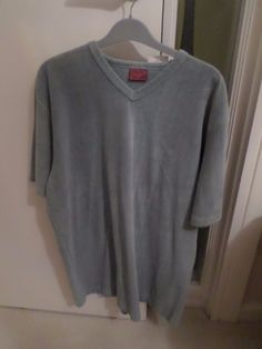 MAN'S BURTONS TOP (LARGE) GREEN, BNWT #BURTONS