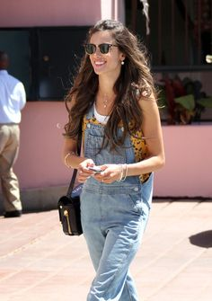 Alessandra Ambrosio in Overalls Alessandra Ambrosio, Dandy, Stylish Outfits, Fashion Outfits, Womens Fashion, Street Chic, Street Style, Fashion Network, Grunge Look