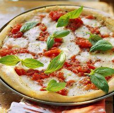 Weight Watchers Pizza Margherita | 10 Homemade Healthy Pizza Recipes | Homemade Recipes