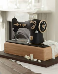 Vintage sewing machine cake