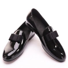 Cheap loafers men, Buy Quality loafers black directly from China loafers men black Suppliers: Piergitar 2017 new black patent leather men handmade loafers with black bowtie Fashion Banquet and prom men dress shoes Mens Leather Loafers, Loafers Men, Leather Men, Leather Buckle, Penny Loafers, Black Patent Leather Shoes, Patent Shoes, Prom Shoes, Dress Shoes