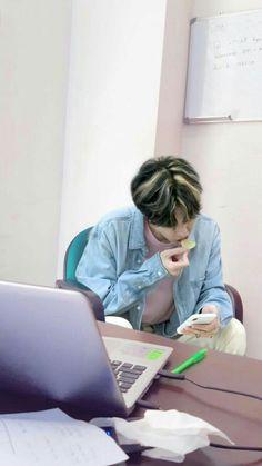 Jae Day6, Park Jae Hyung, Parenting Fail, A Whole New World, Daily Photo, Kpop Groups, K Idols, Boyfriend Material, Cool Bands