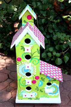 Dang where was this when I made my birdhouses this year!!