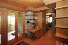 Buying a Frank Lloyd Wright original would be like trying to buy a priceless museum artifact.On Vashon you can live in a house inspired by his ideas for $374,000. Vashon Island, Usonian, Atomic Ranch, Organic Architecture, Frank Lloyd Wright, Mid-century Modern, Cottage, Museum, Interiors