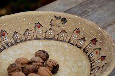 obří mísa s příběhem-zima na vesnici/ rezervace / Zboží prodejce lavender Ceramic Fish, Ceramic Clay, Ceramic Bowls, Pottery Plates, Ceramic Pottery, Pottery Art, Clay Christmas Decorations, Rustic Plates, Clay Texture