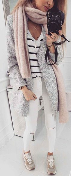 26 Cute Fashion Trends You Will Definitely Want To Try - Luxe Fashion New Trends : summer outfits Grey Coat Striped Top White Ripped Skinny Jeans Cute Fashion, Trendy Fashion, Winter Fashion, Fashion Outfits, Fashion Trends, Trendy Style, Cheap Fashion, Womens Fashion, Sneakers Fashion