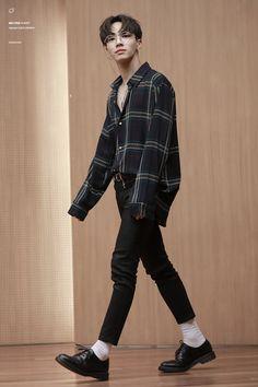 Stunning 36 Gorgeous Men Styles Ideas With Mens Street Fashion Korean Fashion Men, Korean Street Fashion, Korea Fashion, Kpop Fashion, Asian Fashion, Mens Fashion, Fashion Outfits, Blazer Fashion, Sweater Fashion