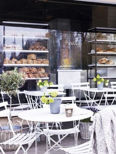 Outside a bakery with the delicious scent of fresh baked bread mingling with words