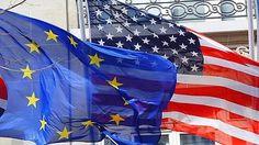 Políticas diferentes de los Bancos Centrales de EEUU y Europeo marcan diferentes caminos a salir de la crisis.