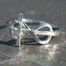 Oh my gosh this is the most amazing ring i have ever seen