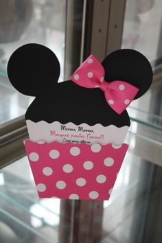 These adorable Minnie Inspired cupcake invitations are double-layered and printed on heavy cardstock.       Each comes with a wearable boutique quality hair bow your little girls guests can wear to the party.      This listing is for 10 invitations with    square (7 x 7) white envelopes      Mickey available!      Invitations usually ship within 7-10 days upon approval of proof.      Also available in RED!