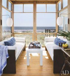SHELTER: Summer lovin....2x4 simple enclosed screen porch