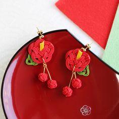 水引ピアス・イヤリング-小梅寵愛- Minne, Fine Jewelry, Drop Earrings, Vogue, Bracelets, Handmade, Yukata, Accessories, Kimono