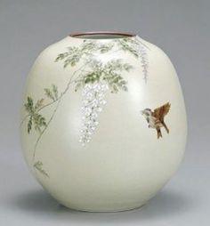 九谷焼 花瓶 8号 藤に鳥. Kutani vase No. 8 Birds in wisteria.