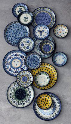 floral design plates Traditional Handmade Polish Pottery from Boleslawiec ceramics stoneware spring decoration original easter kitchen elima Bunzlauer keramik. Blue Pottery, Ceramic Pottery, Pottery Art, Pottery Painting, Ceramic Painting, Ceramic Art, Moroccan Plates, Deco Originale, Polish Pottery