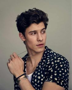 Shawn Mendes: 'I'm I want to have fun' Shawn Mendes: 'I'm I want to have fun',(-; hmm 😉 Shawn Mendes: 'I'm I want to have fun' Cameron Boyce, Shawn Mendes Imagines, Hot Shawn Mendes, Shawn Mendes Braces, Shawn Mendes Tumblr, Shawn Mendes Quotes, Leonardo Dicaprio, Shwan Mendes, Singer Songwriter