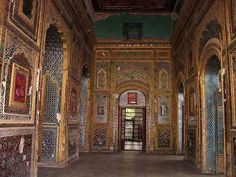 Sheesh Mahal is another elegant palace in Patiala what flaunts the flamboyant splendor of the erstwhile maharajas. Built under the patronage of the former Maharaja of Patiala, Narendra Singh, a true devotee of beauty.