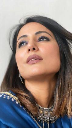 Heena Khan, Beautiful Indian Actress, Deepika Padukone, My Crush, The Duff, Beauty Queens, Indian Actresses, Photography Poses, Makeup Looks
