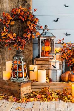 Fill lanterns with pumpkins and other fall pieces for an easy DIY-decor idea. groß Fill lanterns with pumpkins and other fall pieces for an easy DIY-decor idea. groß Fill lanterns with pumpkins and other fall pieces for an easy DIY-decor idea. Porche Halloween, Fall Halloween, Outdoor Halloween, Happy Halloween, Scary Halloween, Halloween Party, Homemade Halloween, Halloween Signs, Halloween Halloween