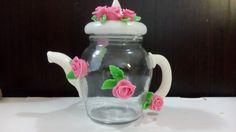 Frascos Cute Polymer Clay, Polymer Clay Creations, Handmade Polymer Clay, Jar Crafts, Diy And Crafts, Decoupage Jars, Clay Jar, Mug Art, Giant Flowers