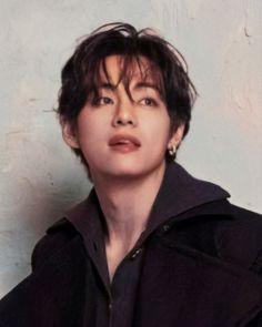 Kim Taehyung, Bts Jungkook, Daegu, Foto Bts, Beatles, Sunshine Line, V Bts Wallpaper, Bts Aesthetic Pictures, Bts Korea