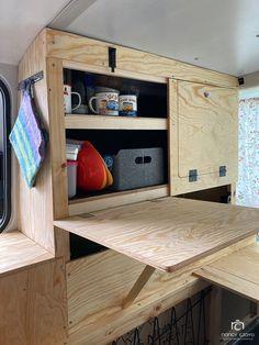 Build A Camper Van, Tiny Camper, Bus Camper, Camper Trailers, Camper Interior Design, Van Interior, T5 Transporter, Vw T5, Campervan Bed