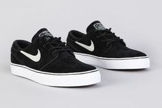 Love the classic look.  Nike SB Stefan Janoski Black  Black 1