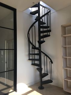 Spiral Staircase Outdoor, Small Space Staircase, Spiral Stairs Design, Loft Staircase, Home Stairs Design, Tiny Loft, Tiny House Stairs, Steel Stairs, Modern Stairs