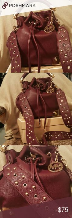Fashion bag stunning look gorgeous color Really nice fashion bag the price reflects the authenticity of the item.. Bags Crossbody Bags