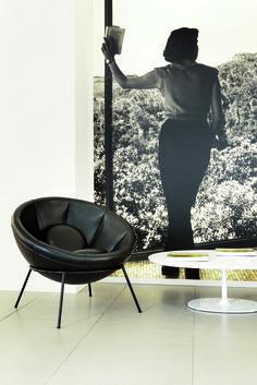Arper relança Cadeira Bowl de Lina Bo Bardi,Exposição . Image Courtesy of Arper