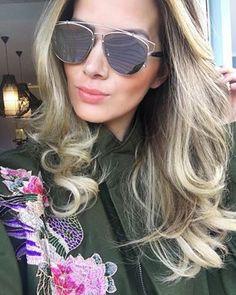 Quem não gosta de tirar aquela #selfie poderosa quando capricha no visual?! @isanascimento abalou com seu #Dior #Technologic ✨ #oticaswanny
