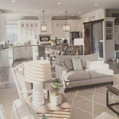 Modern farmhouse living room decor and design ideas (17)